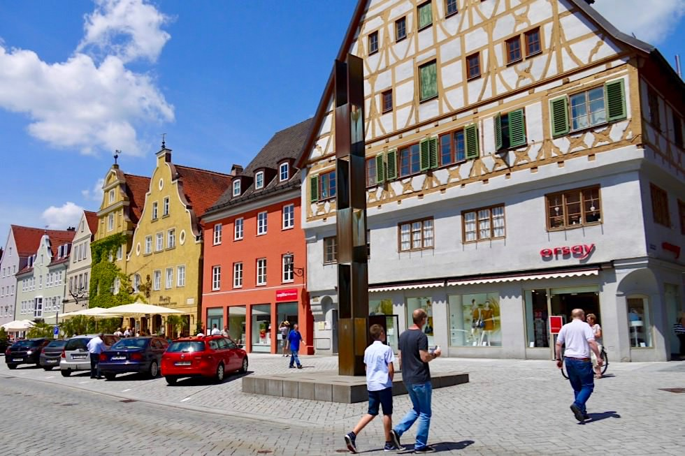 Memmingen - Freiheitsbrunnen & historisches Zunfthaus der Weber - Allgäu - Bayern