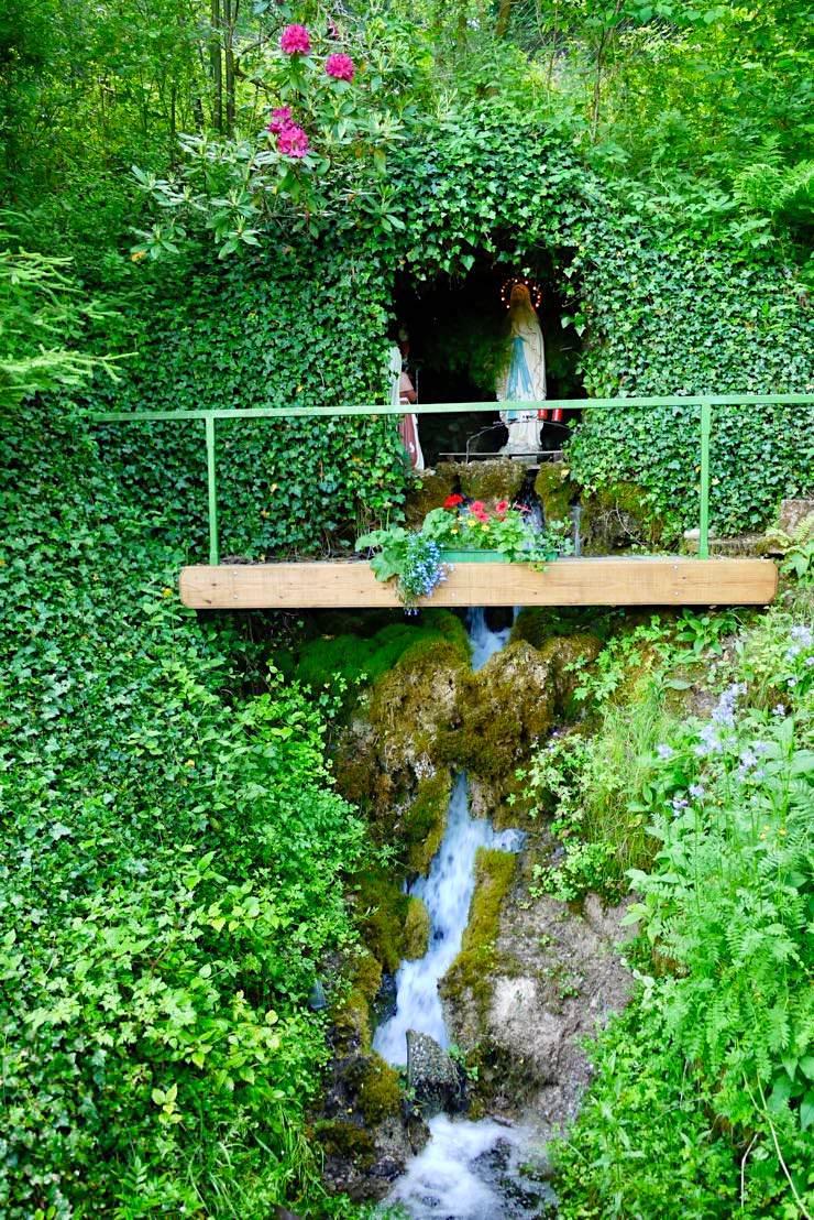 Wandertrilogie: Wiesengänger Route 03 - Schichtquelle mit Maria Statue - Allgäu - Bayern