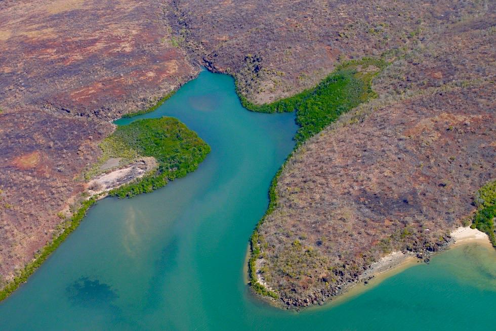 Rotbraune Kimberley Küste & türkise Timor Sea - zauberschönes Outback aus der Vogelperspektive - Western Australia