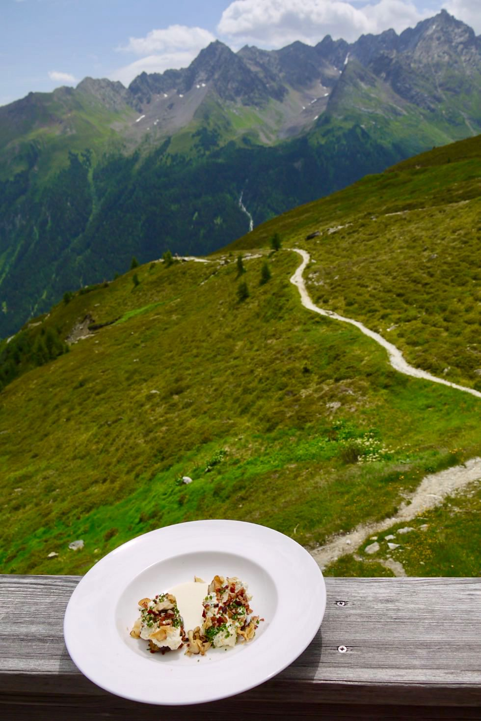 Kulinarischer Jakobsweg - Hütten-Hochgenuss auf der Friedrichshafener Hütte - Ischgl, Paznaun in Tirol - Österreich