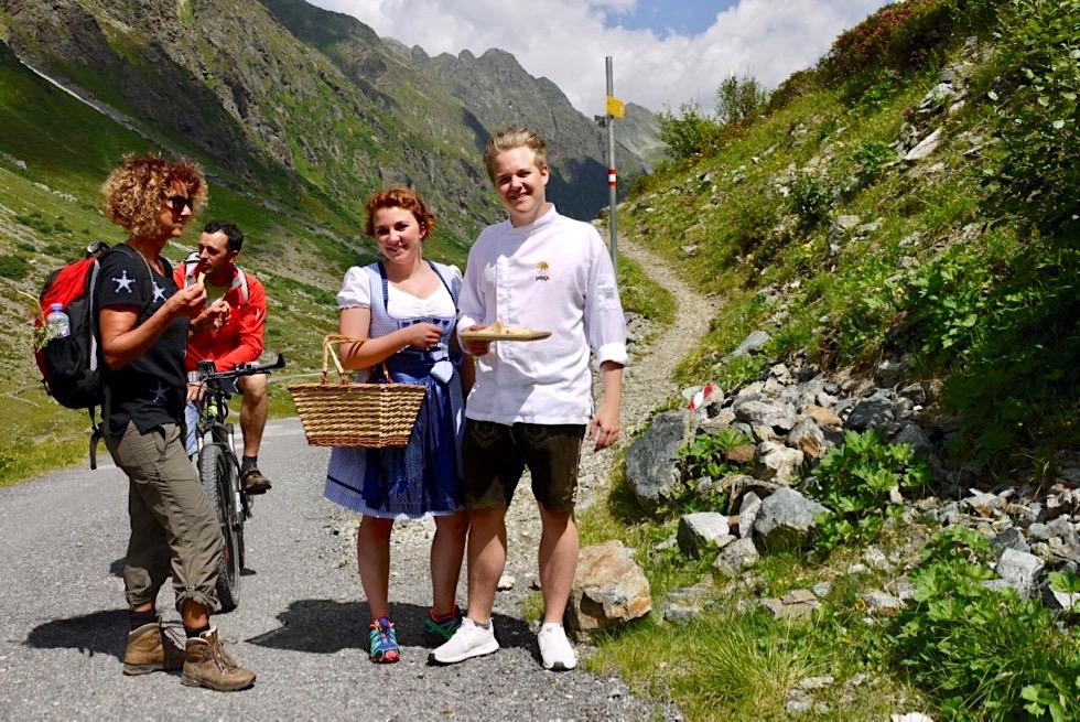 Kulinarischer Jakobsweg - Leckerer, kulinarischer Zwischenstopp auf dem Weg zur Jamtalhütte - Galtür, Paznaun in Tirol - Österreich