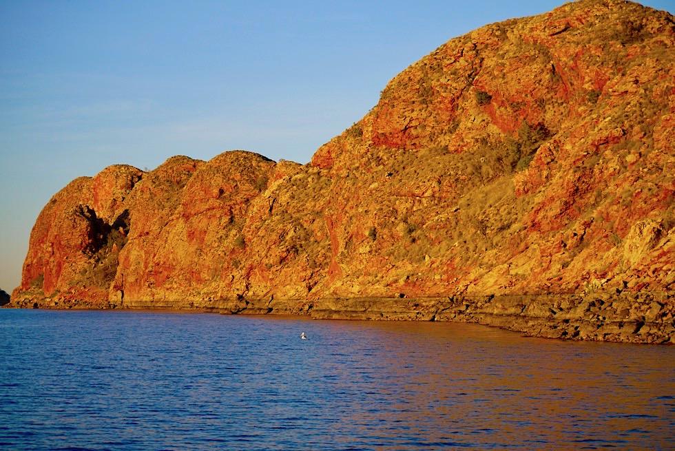 Best of Lake Argyle - Orange leuchtende Felsen im Sonnenuntergang - Kimberley - Western Australia
