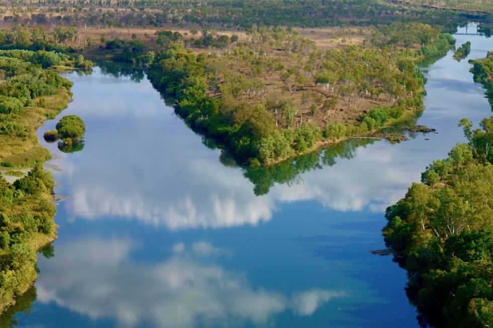 Lower Ord bei Kununurra - Sonne & Wolken spiegeln sich im Ord River - Kimberley - Western Australia