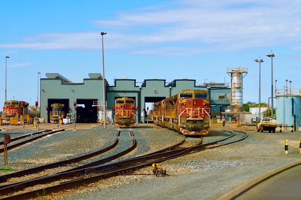 Port Hedland - Auf dem Gelände von BHP Billiton: Eisenerz-Züge - Pilbara - Western Australia