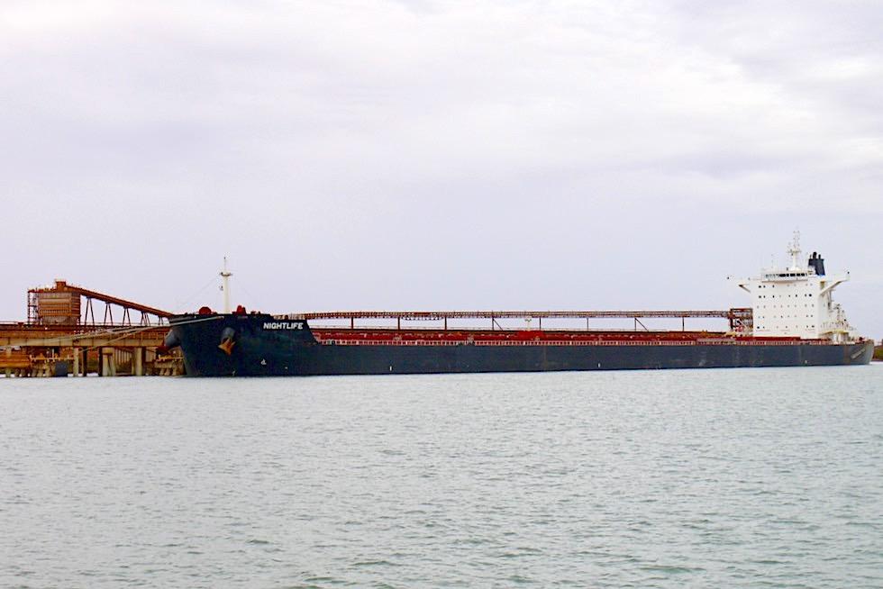 Port Hedland - Containerschiff Nightlife - Pilbara - Western Australia