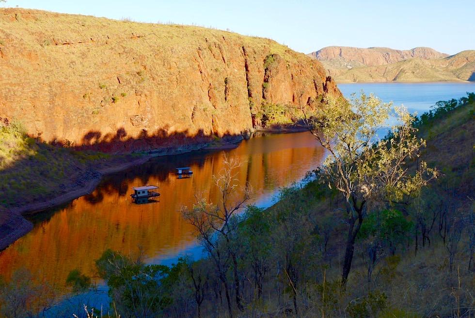 Sonnenuntergang & Wasserspiegelungen - Bucht beim Lake Argyle Resort - Kimberley, Western Australia