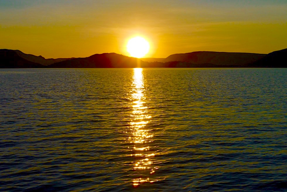 Lake Argyle Cruises: Sonnenuntergang auf dem Lake Argyle - Kimberley - Western Australia