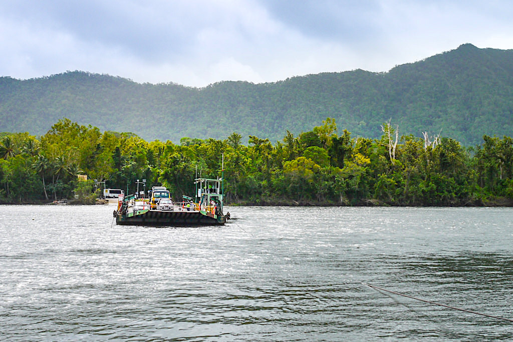Daintree River - Überfahrt zu Cape Tribulation Section - Wet Tropics of Queensland