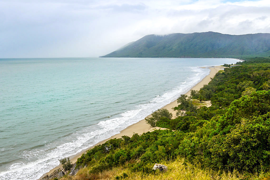 Four Mile Beach - Wunderschöner Strand bei Port Douglas - Far North Queensland