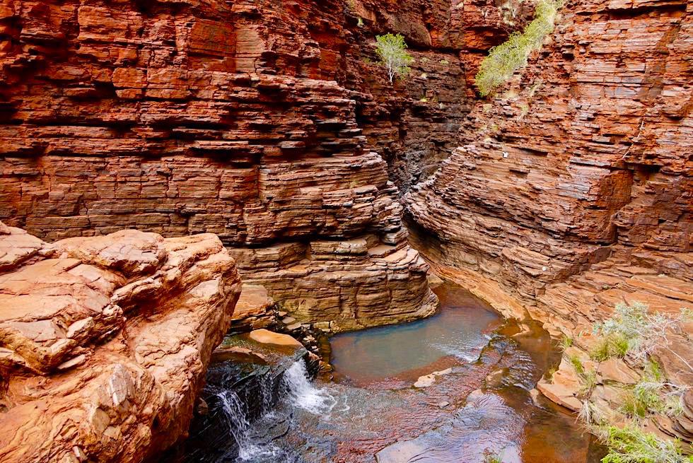 Karijini National Park - Faszinierende Schluchten: Vom Amphitheater Ausblick in Richtung Spider Walk - Pilbara - Western Australia