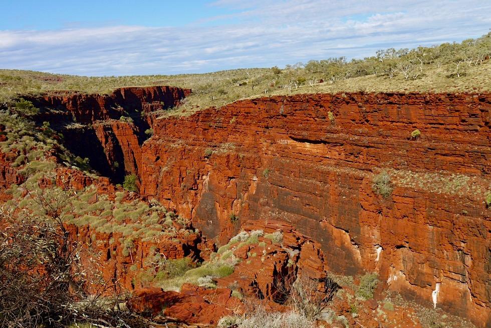 Karijini National Park - Blick auf Hancock Gorge von oben beim Einstieg - Pilbara - Western Australia