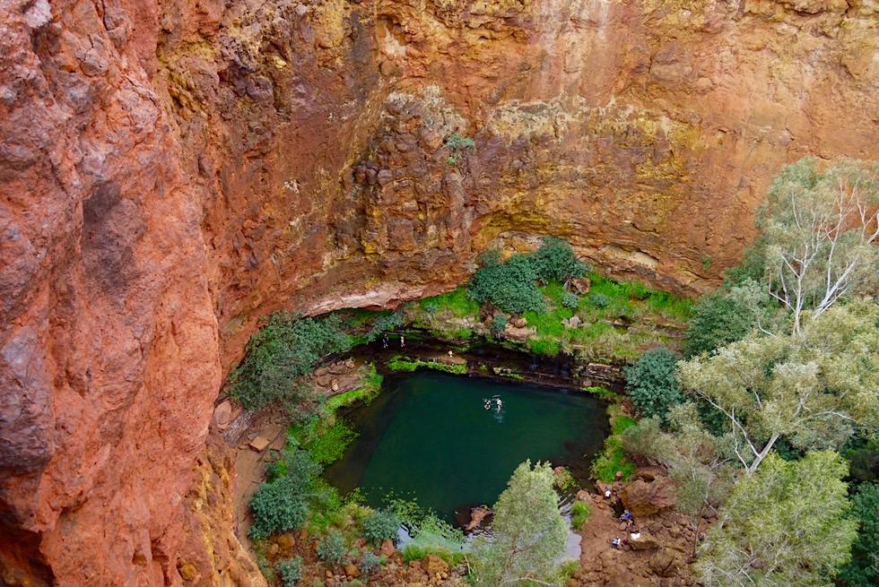 Karijini National Park - Was für ein Ausblick! Circular Pool von oben gesehen - Pilbara, Western Australia