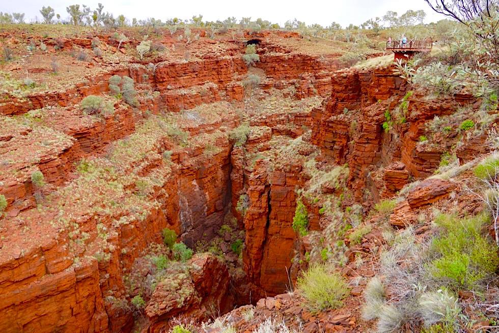 Karijini National Park - Blick auf Schlucht & Oxer Lookout - Pilbara - Western Australia