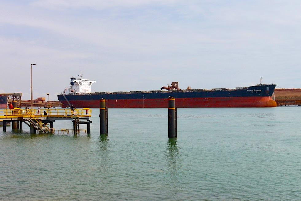 Port Hedland - Am Hafen & Blick auf Containerschiff - Pilbara, Western Australia