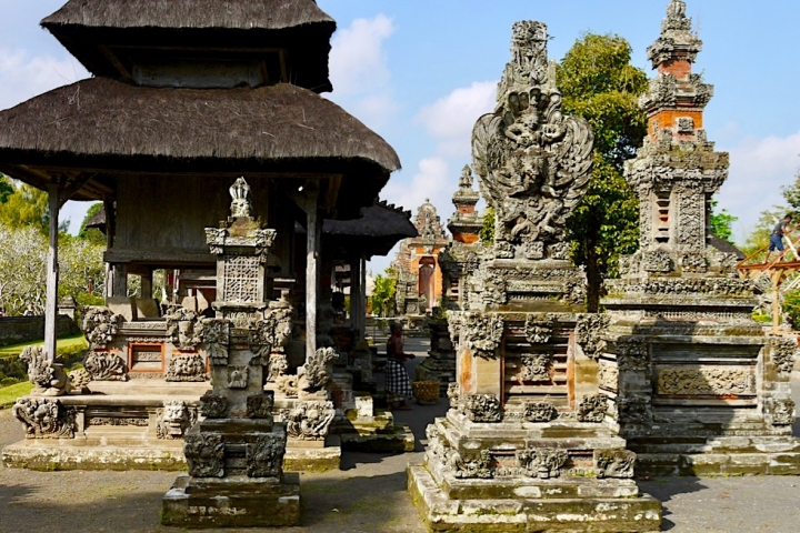 Pura Taman Ayun in Mengwi - Einer der schönsten Tempel in Bali: Blick auf das Tempelinnere - Bali