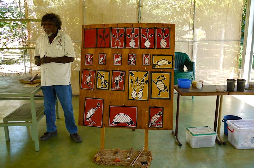 Top Didj - Aboriginal Kultur erleben: Manuel unterrichtet Malen - Katherine - Northern Territory