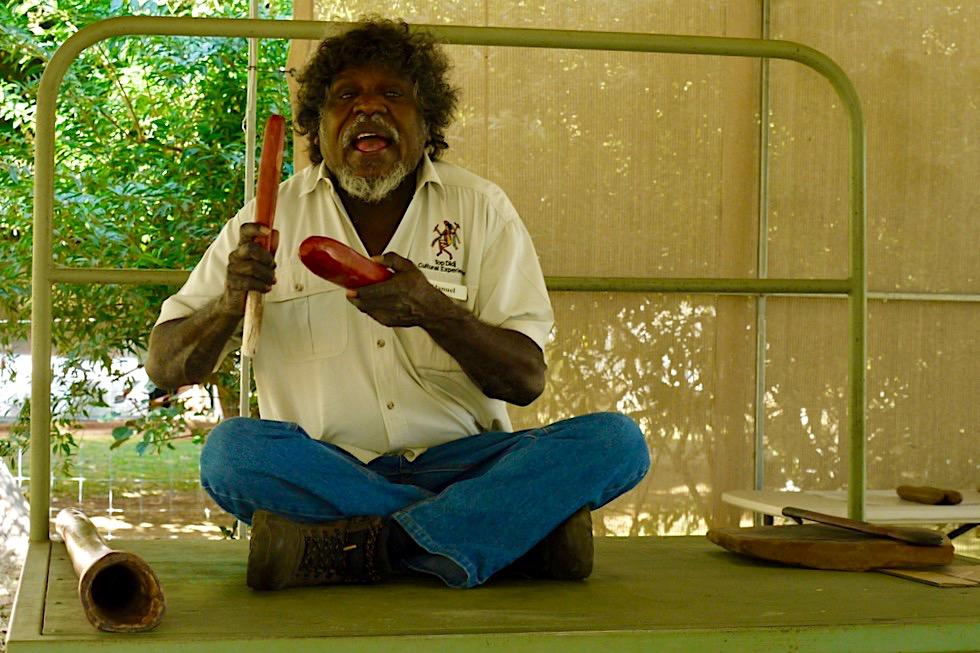 Top Didj Cultural Experience: Manuel singt Lieder aus der Traumzeit - Katherine - Northern Territory
