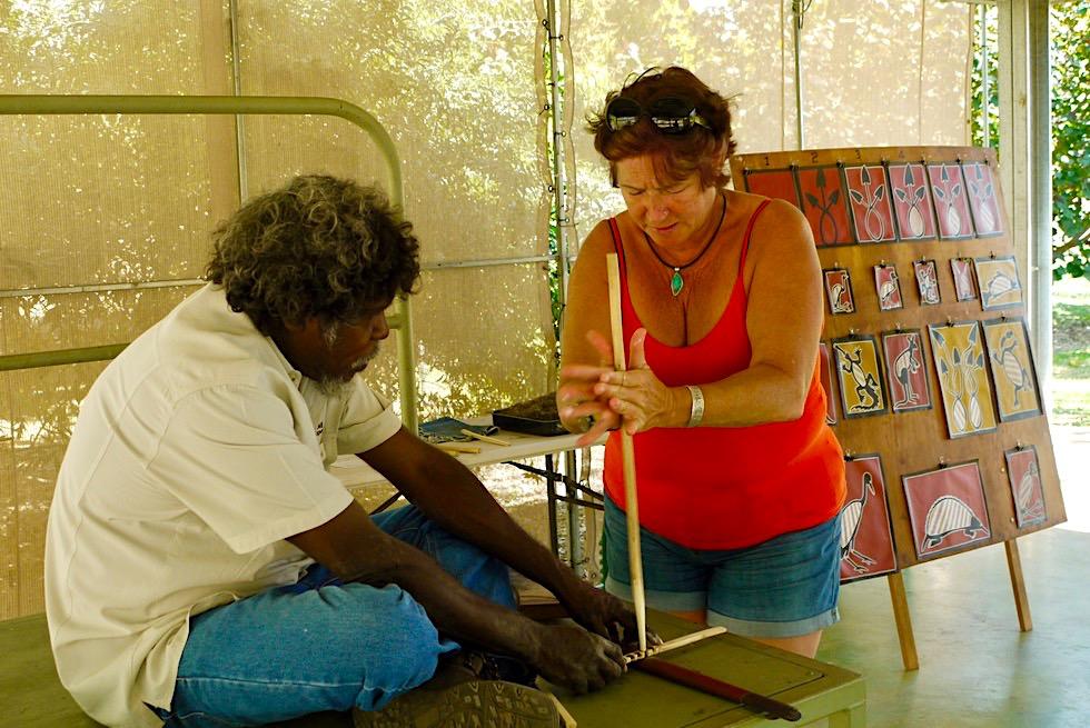 Top Didj - Unterricht im Feuer machen - Katherine - Northern Territory