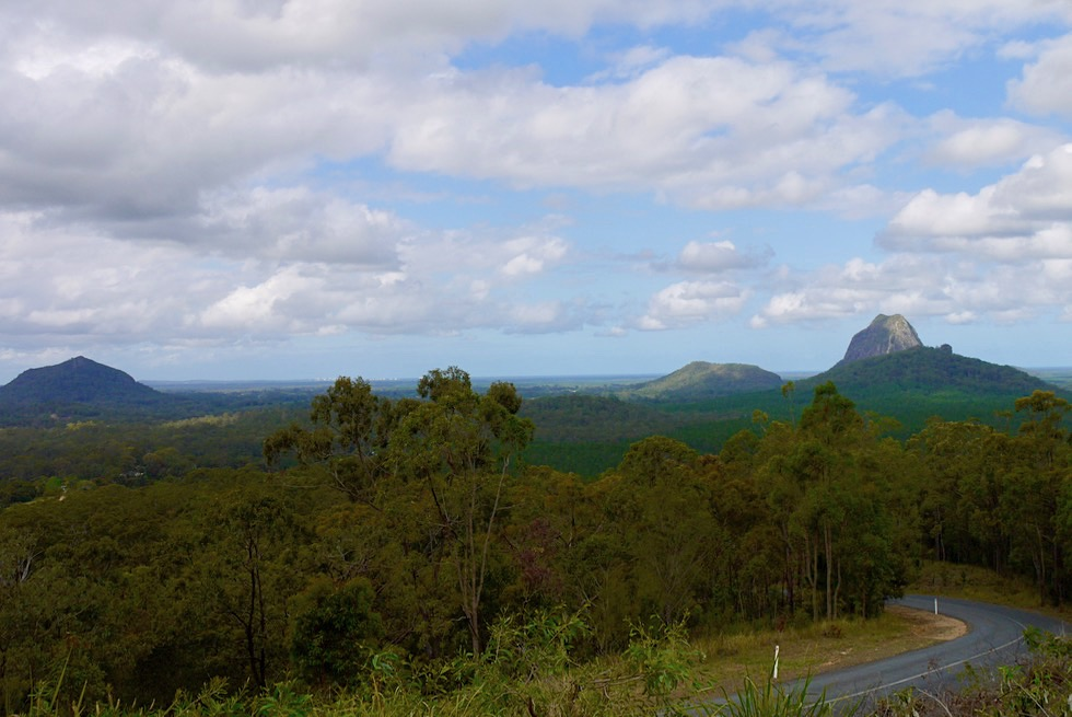 Glass House Mountains Lookout: Mt Ngungun, Cooee, Mt Tibrogargan - Sunshine Coast Queensland