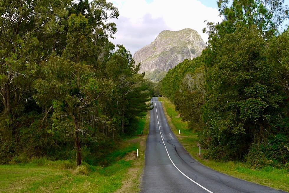 Glasshouse Mountains - Grandioser Ausblick bei der Anfahrt zum Mt Tibrogaran - Queensland