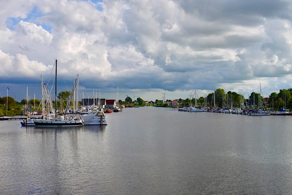Harlesiel - Kanal & Fährhafen nach Wangerooge - Ostfriesland