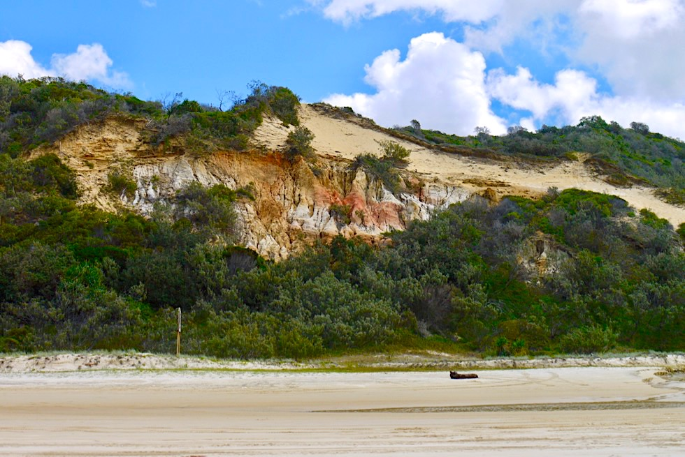 Beeindruckend schön & bunt: The Pinnacles oder The Coloured Sands - Seventy Five Mile Beach - Fraser Island - Queensland