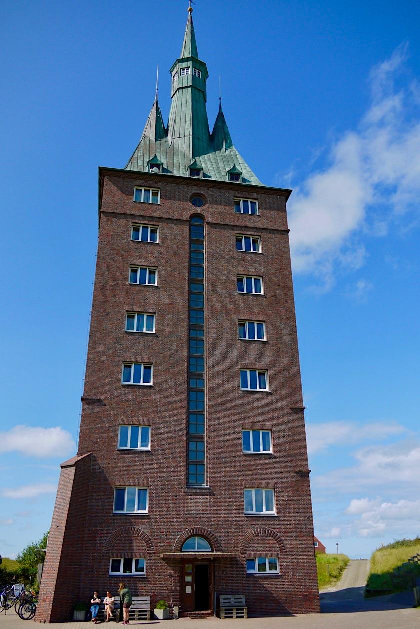 Wangerooge - Neue Westturm: auf seinen 7 Stockwerken verteilen sich die Zimmer der Jugendherberge - Ostfriesische Inseln - Nordsee