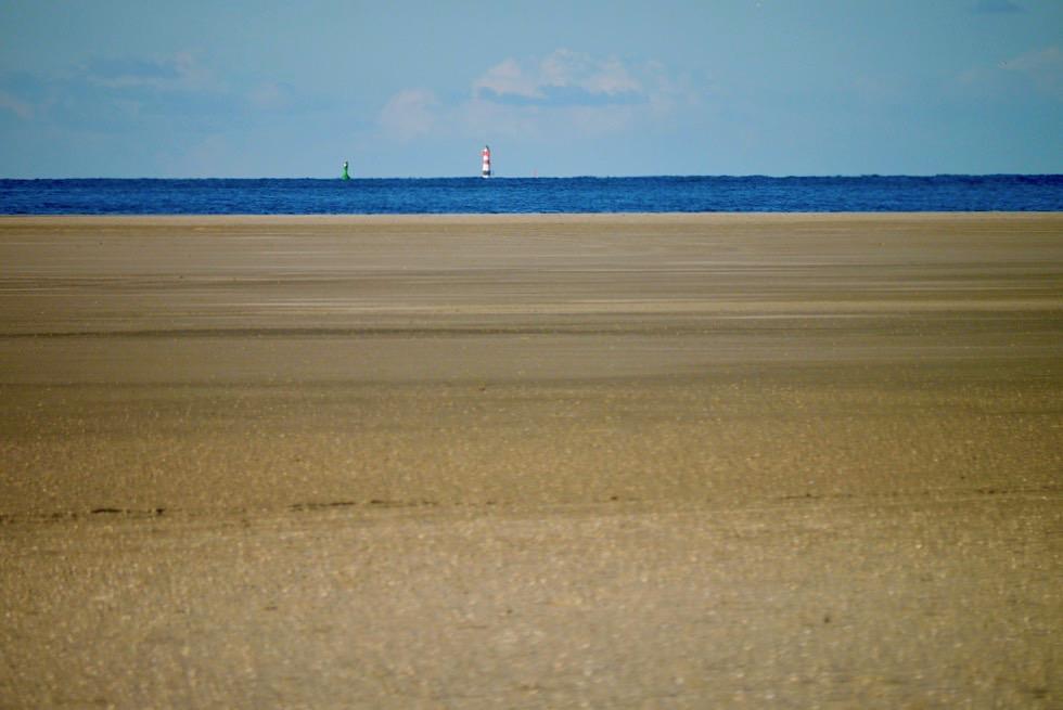 Wangerooge - Ostende der Insel: Blick auf Leuchtturm Roter Sand - Ostfriesische Inseln - Nordsee