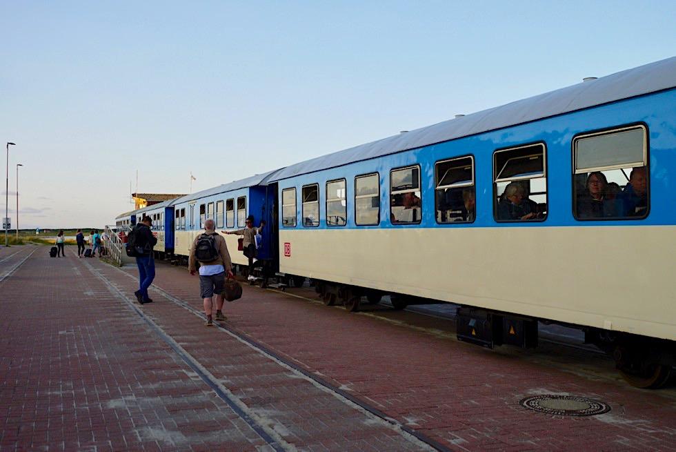 Wangerooge - Ankunft mit der Fähre Westanleger & Weiterfahrt mit der Inselbahn - Ostfriesische Inseln - Nordsee
