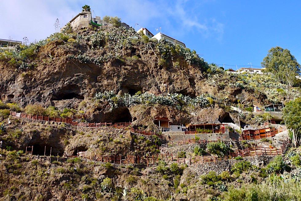 Barranco de San Miguel - Modernisierte Höhlenwohnungen vermischen sich mit Höhlen der Ureinwohner - Valsequillo de Gran Canaria