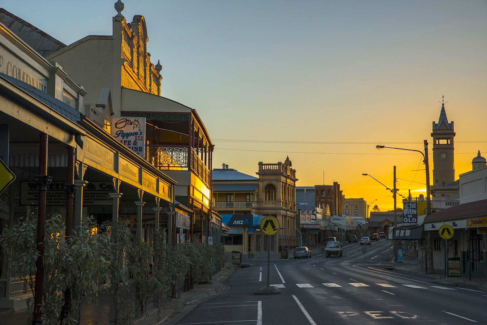 Charters Towers - Eine der schönsten Outback Städte bei Sonnenuntergang - Queensland