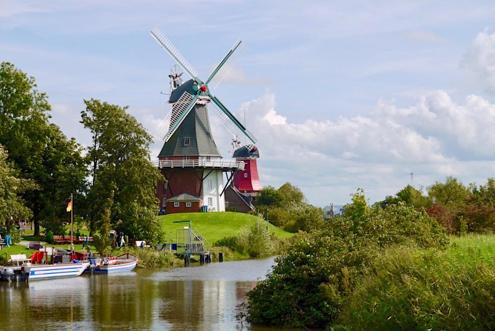 Ausblick auf die Zwillingsmühlen - Wahrzeichen von Greetsiel - Krummhörn - Ostfriesland