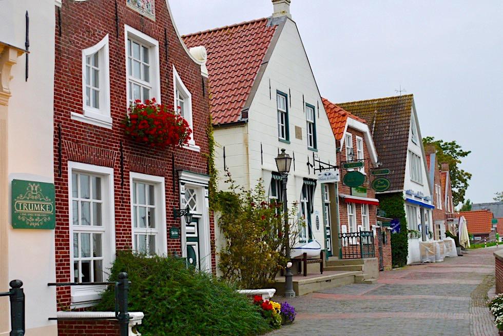 Greetsiel - Historische Häuser am Alten Siel & Hafen Promenade - Krummhörn - Ostfriesland