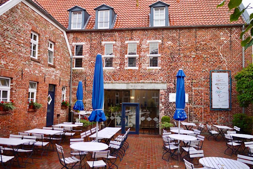 Greetsiel - Hohe Haus: Hotel mit Restaurant & Biergarten - Krummhörn - Ostfriesland