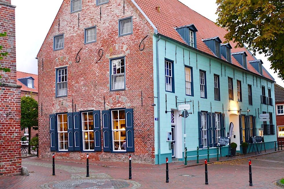 Greetsiel - Das historische Hohe Haus erbaut 1696 - Krummhörn - Ostfriesland