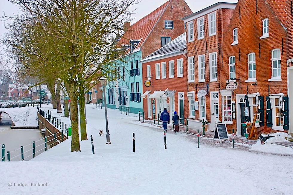 Greetsiel im Winter mit Schnee - Krummhörn - Ostfriesland
