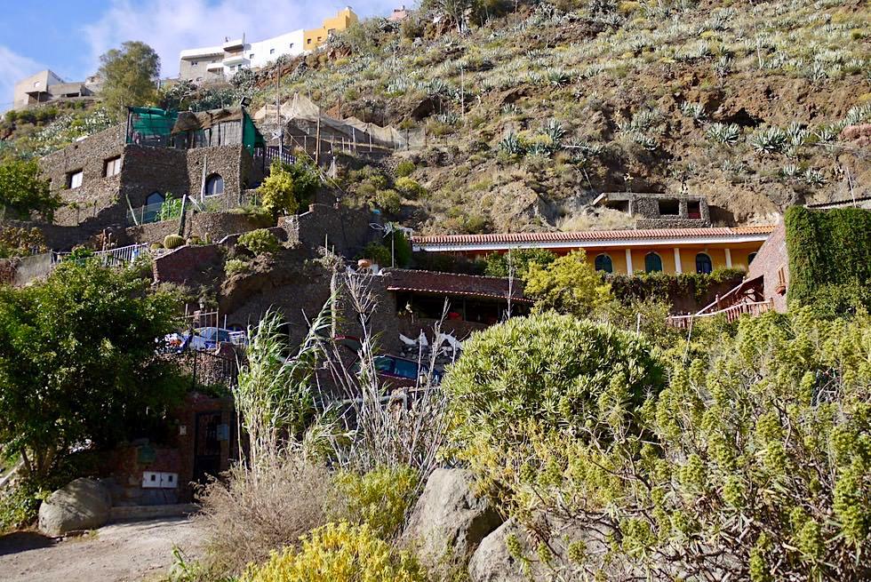 Die Häuser Los Llanetes reichen bis in die Schlucht San Miguel - Valsequillo - Gran Canaria