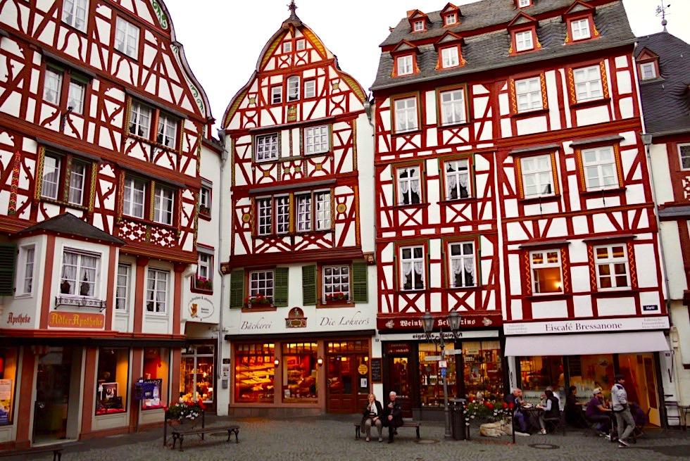 Bernkastel-Kues - Malerische Altstadt mit wunderschöne Fachwerkhäusern - Rheinland-Pfalz Reisetipps