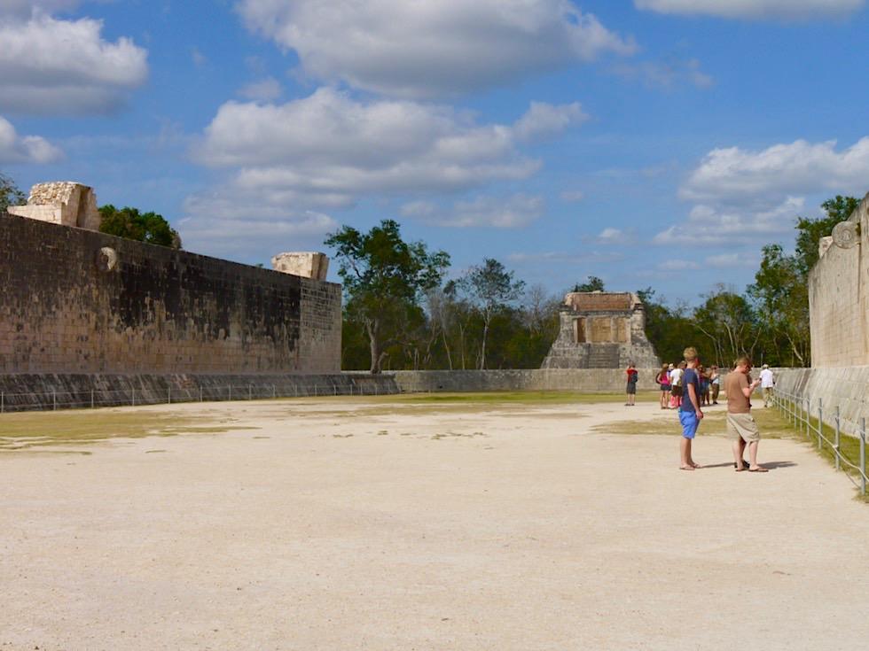 Chichen Itza: Ballspielplatz oder Juego de Pelota: Ballspiele mit tödlichem Ausgang - Yucatan - Mexiko