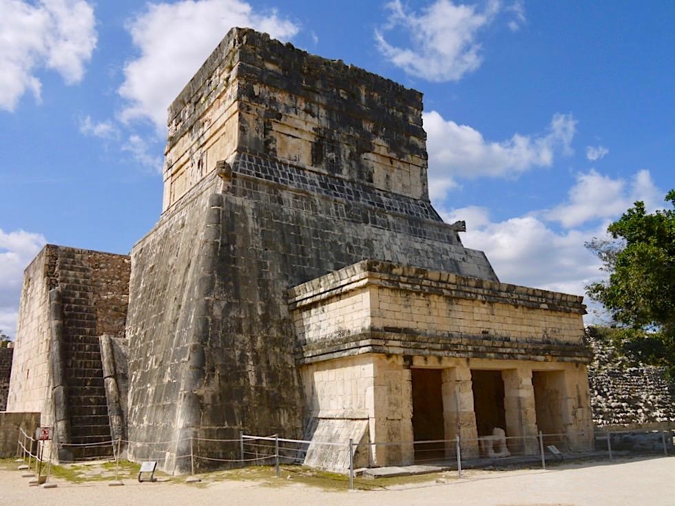 Chichen Itza - Tempel Jaguare: Eingang auf der Rückseite des Ballspielplatzes - Yucatan - Mexiko