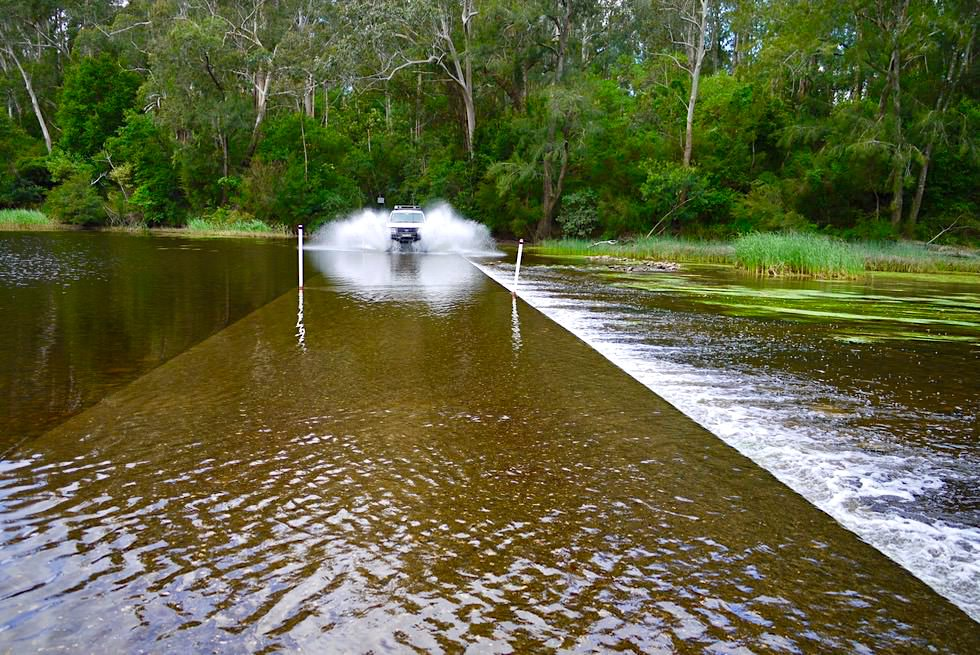 Clyde River Shallow Crossing - Durchquerung: ein Riesenspaß - Shoalhaven Region - New South Wales