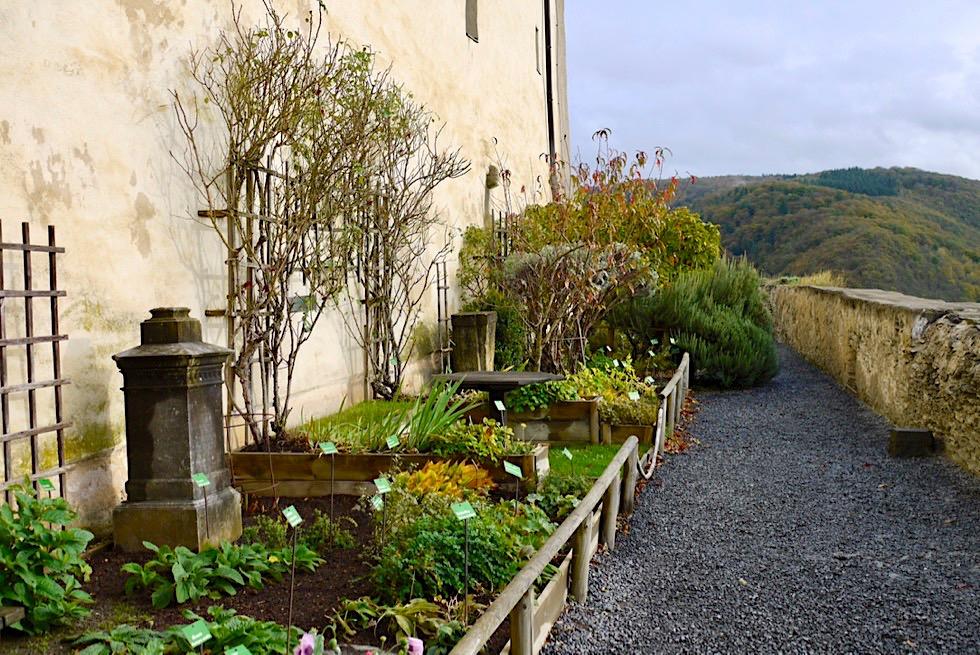 Marksburg - Schöner Kräutergarten mit tollen Ausblick auf den Rheinverlauf - Braubach & Umgebung Koblenz - Rheinland-Pfalz Reisetipps