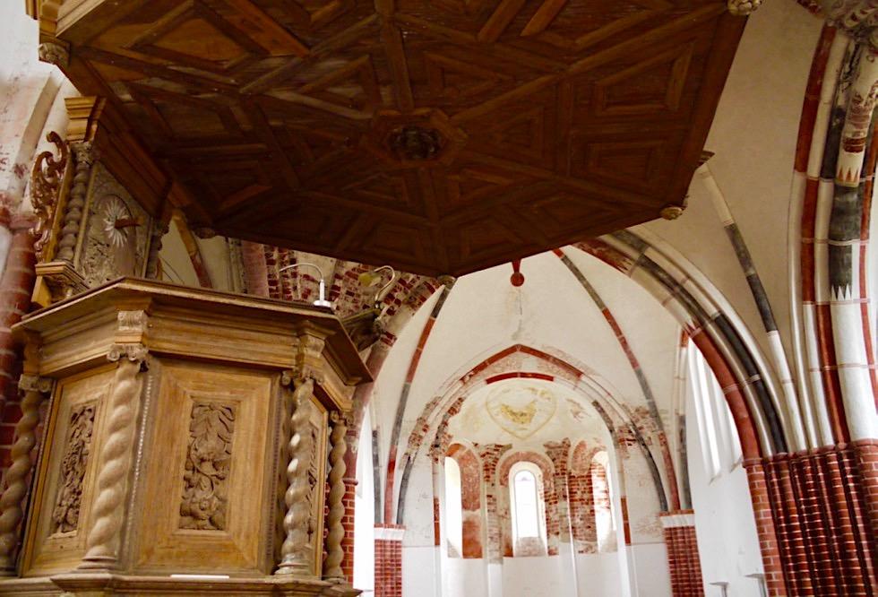 Warfendorf Pilsum - Kreuzkirche & Kanzel - Krummhörn - Ostfriesland