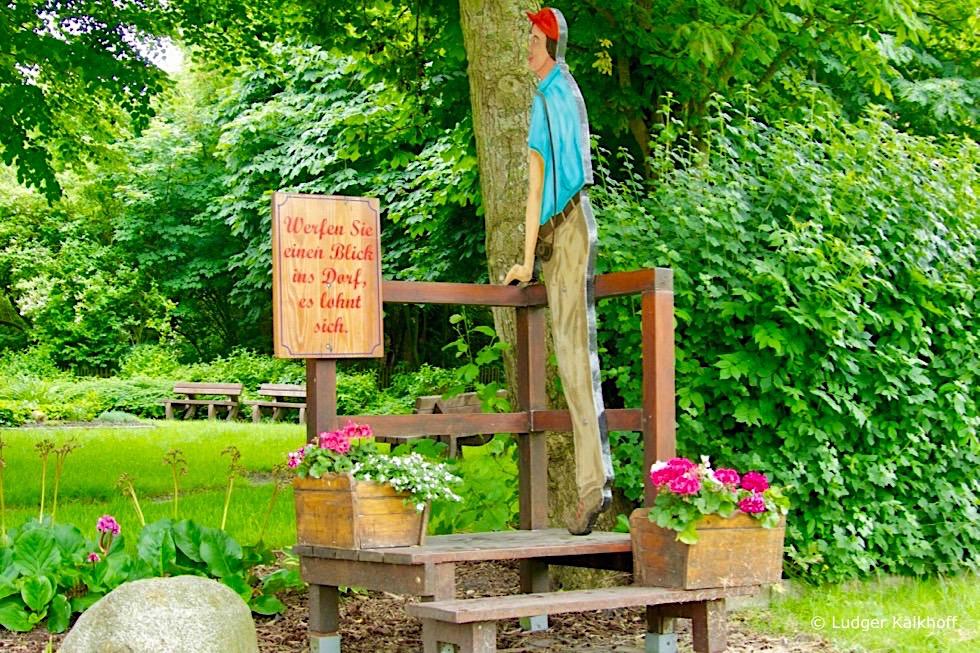 """Pilsum & sein typischer Ostfriesischer Humor: """"Werfen sie einen Blick ins Dorf"""" - Krummhörn - Ostfriesland"""