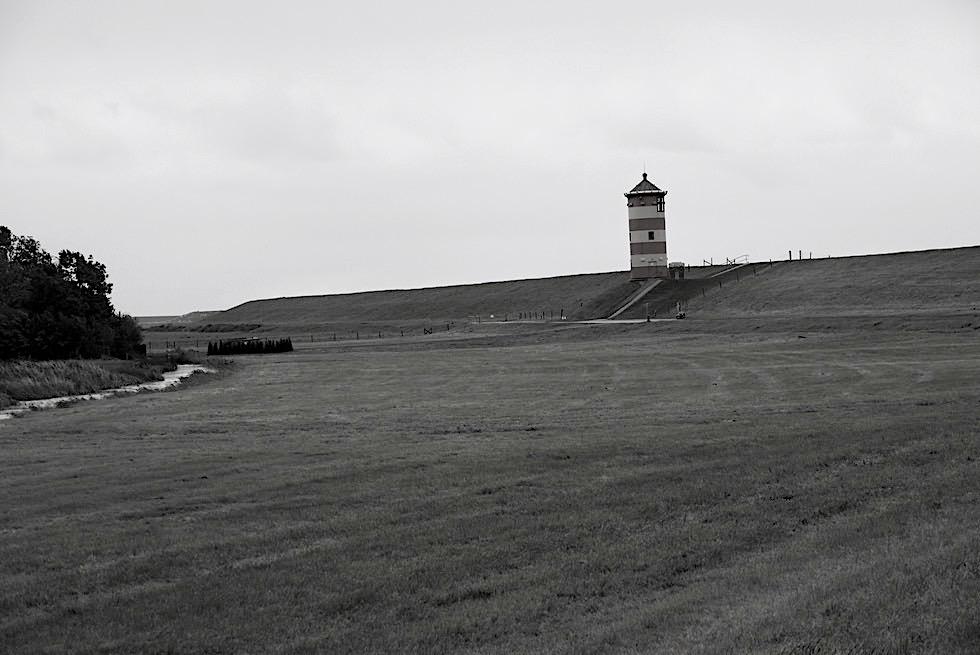 Pilsumer Leuchtturm in schwarz-weiss - Krummhörrn - Ostfeisland