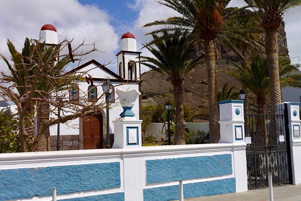 Agaete: Idylle in Weiß und Blau - Kirche am Hafen - Gran Canaria