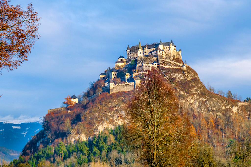 Märchenhafte Burg Hochosterwitz im Winter - Eines der Highlights und Wahrzeichen von Kärnten - Österreich