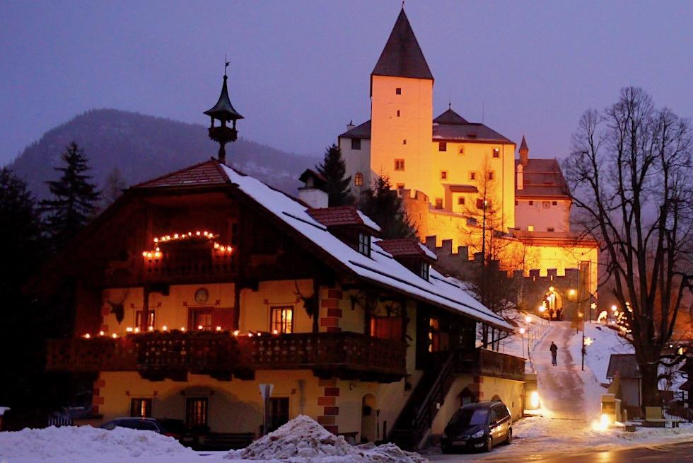 Burg Mauterndorf - Stimmungsvoller Adventmarkt - Salzburger Lungau - Österreich