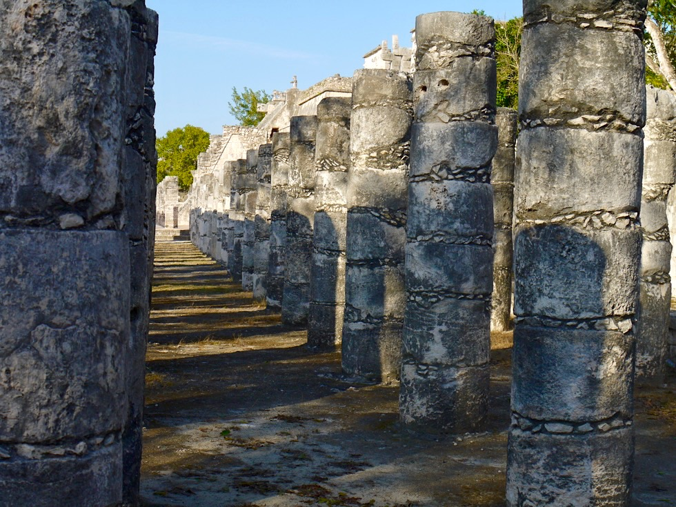 Chichen Itza - Gruppe der 1000 Säulen beim Kriegertempel - Yucatan - Mexiko