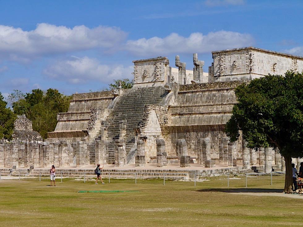 Chichen Itza - Templo de los Guerreros oder Kriegertempel - Yucatan - Mexiko